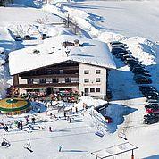 © Landhotel Salzburger Dolomitenhof - Hotelansicht Winter