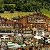 Hotelansicht Landhotel Hauserbauer im Sommer