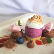 Süße Genussmomente im Landhotel Gressenbauer - Heidelbeer Baiser