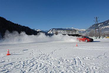Winterfahrtraining, (c) Troger Heli, Ferienregion Lungau