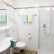 © Landhotel Tirolerhof/ Thomas Trinkl - Badezimmer Ihre persönliche Oase