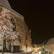 Kirche in Sierning im Winter