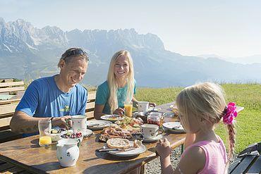 Frühstück am Berg © TVB Wilder Kaiser - Daniel Reiter Peter von Felbert