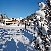 Landhotel Alpenhof - Hotelansicht Winter