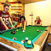 © Fotodesign David - Spaß für die ganze Familie am Billiardtisch