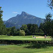 Golfen mit Blick auf den Schafberg © Landhotel Eichingerbauer