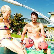 © Landhotel Traunstein - Familiengerechtes nahegelegenes Freibad
