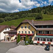 © Landhotel Stofflerwirt - Hotelansicht Sommer