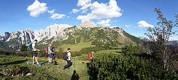 Wandern am Fusse des Gosaukammes, (c) tvbannaberg-lungoetz