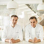 zwillinge-ivan-und-sergej-beresuzki-aus-dem-international-bekannten-restaurant-twins-garden