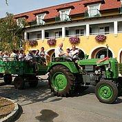 Traktorausfahrt direkt vom Hotel
