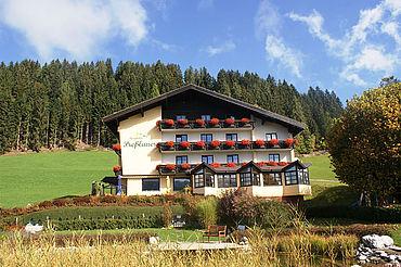 (c) Berghotel Preßlauer