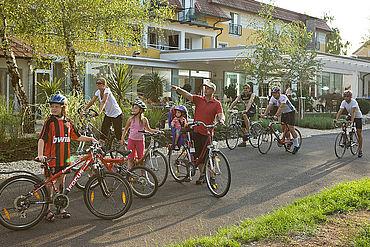 Radtour-direkt-vorm-Landhotel-Birkenhof-starten-Radgenuss-pur-im-Burgenland