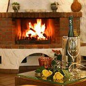 © Landhotel Schuetterbad - am offenen Kamin verweilen