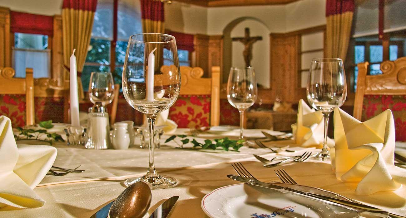 © Fotodesign David - elegant gedeckter Tisch zum Abendessen