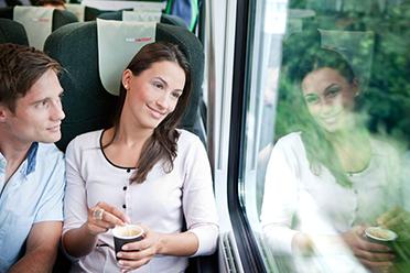 Entspannte Anreise mit der Bahn  -  © ÖBB